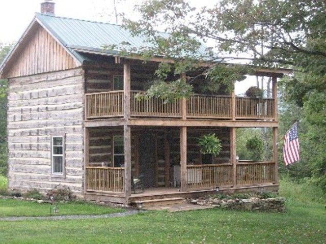 Go Back to 1897 in Original LogHouse/Cabin 100 Private Acres w/ Modern Amenities