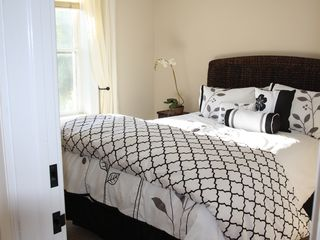 Bridgehampton cottage photo - Master bedroom with queen size bed. All new mattresses and bedding.