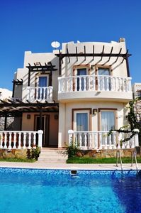 image for 4 BEDROOM DETACHED WITH PRIVATE POOL VILLA