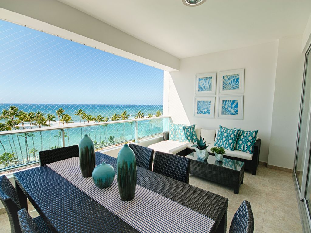 Image gallery ocean view apartments for Balcony synonym