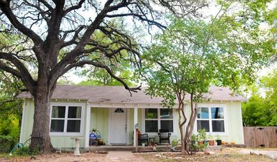 Stay in a charming bungalow in the heart of everything in Austin's hottest area.