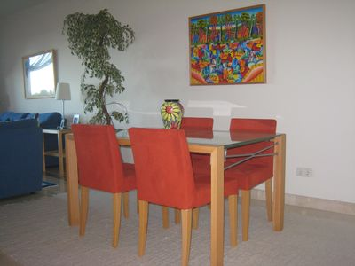 Dining area with extendable table