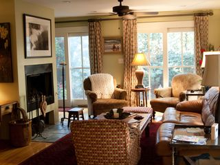 Charleston townhome photo - Living room with fire place
