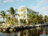 'Sueños and Sunsets' Bay/Water Front, Spectacular 2/3.5 Key Largo Modern Home