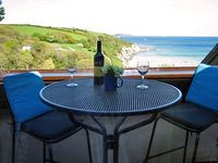 Cliff top apartment, indoor heated pool, stunning sea views of Falmouth Bay