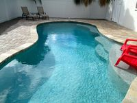 Holidays at Beach?-Private HEATED POOL,sea breeze,bay view,2 houses to Bay Beach
