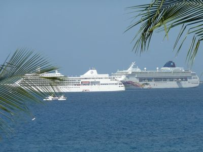 You can see cruise ships from the Lanai