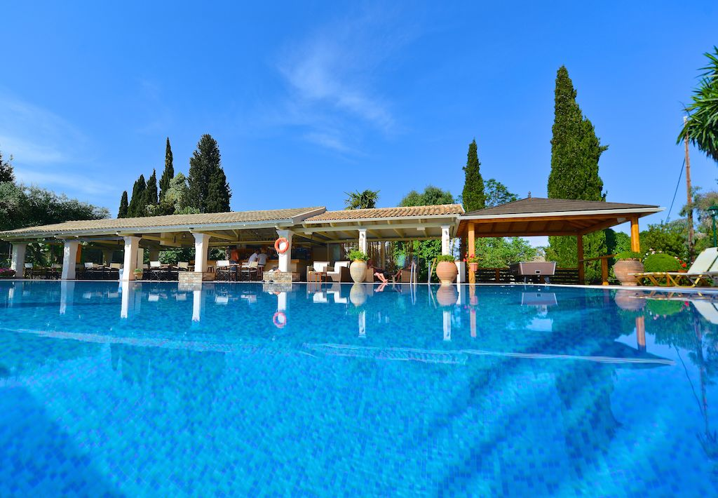 2 Bedroom Self Catering Apartment With A Pool In