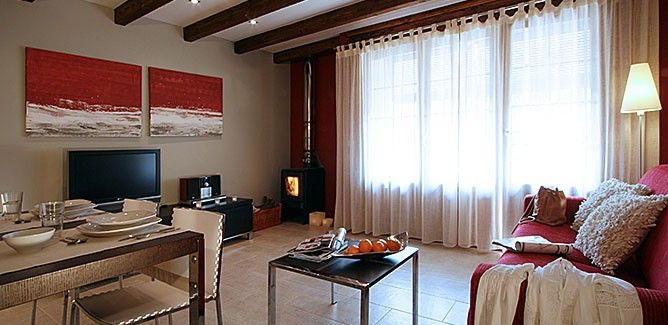 Apartment in Uncastillo with Internet, Air conditioning, Terrace, Balcony (658559)