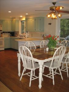 Chatham house rental - Dining and kitchen are Beach Design!