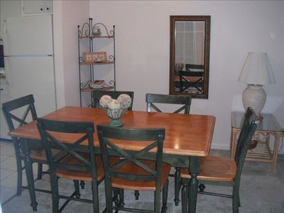Dining Room With Seating For 6.