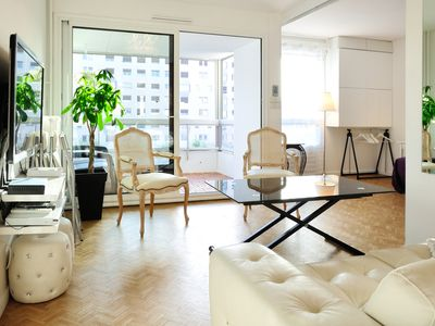 The CLOUD SIX**** - 70 sq.M flat, Central Lyon, 1 to 4 guests, Parking & Balcony
