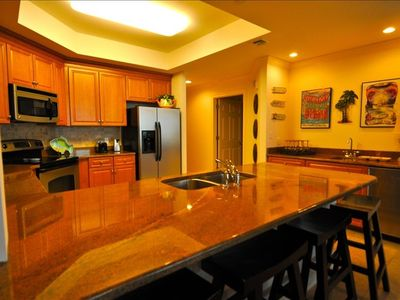 Kitchen & Wet Bar