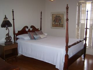 Gulf Shores house photo - A guest bedroom with a queen bed!