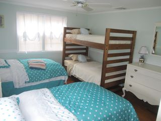 Hyannis - Hyannisport house photo - 3rd bedroom with two twin beds and bunk beds