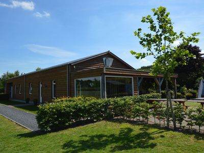 Luxury holiday house with ensuite bathrooms, swimming spa, sauna and jacuzzi