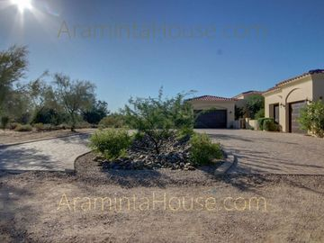 Cave Creek house rental - A circular driveway welcomes you to Araminta House