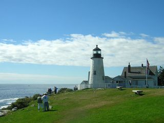 Pemaquid Point cottage photo - Beautiful Pemaquid Point Lighthouse – Just over 100 yards away !
