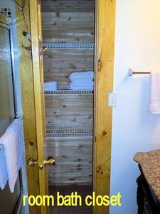 Room Bath Closet - Cedar lined