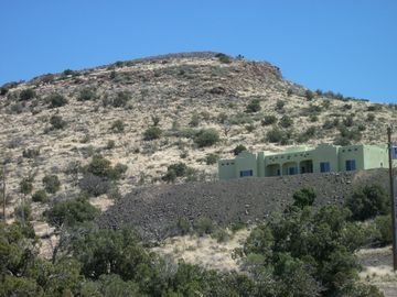 Kingman chateau / country house rental - AWESOME FAMILY RETREAT IN THE HUALAPAI MOUNTAIN AREA OF LAZY-Y-U. ENJOY THE FUN