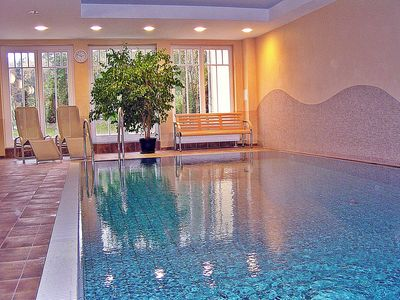 4****Stars-luxury-Apartment with swimming pool & spa directly at the beach