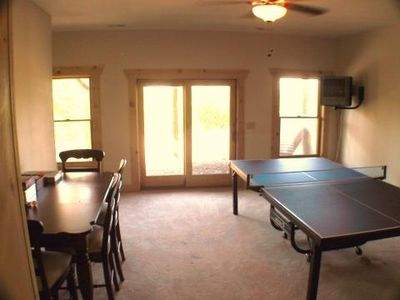 Gameroom with board games, pingpong, sat-tv-dvd