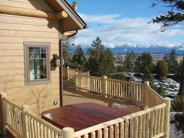 Private Hot Tub Overlooking the Valley and Flathead Lake!!