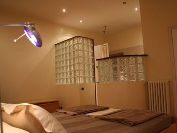 Main bedroom, ensuite