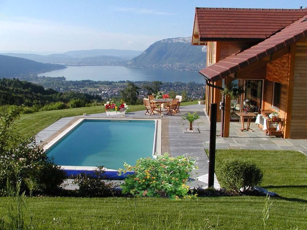 Saint jorioz location de vacances maison avec barbecue for Piscine a annecy