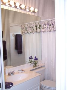 Fort Myers Beach condo rental - 2nd Bathroom