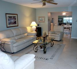 Fort Lauderdale house photo - Living room features new leather furniture and CD stereo system.