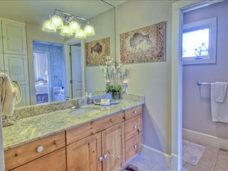 Sedona condo photo - Granite-Topped Vanity & Separate W/C