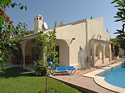 2 Private Villas in Luxurious position, 50 meters of the Beach