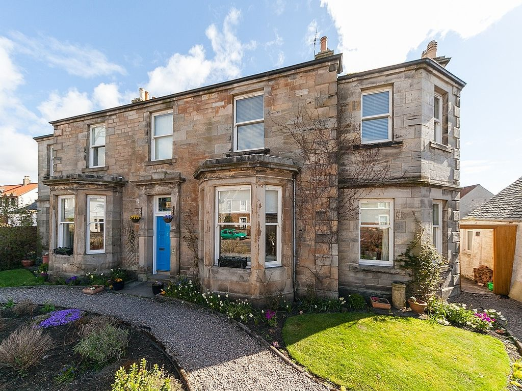 5 bedroom house near the beach in east neuk of fife 8160607 for Victorian garden house