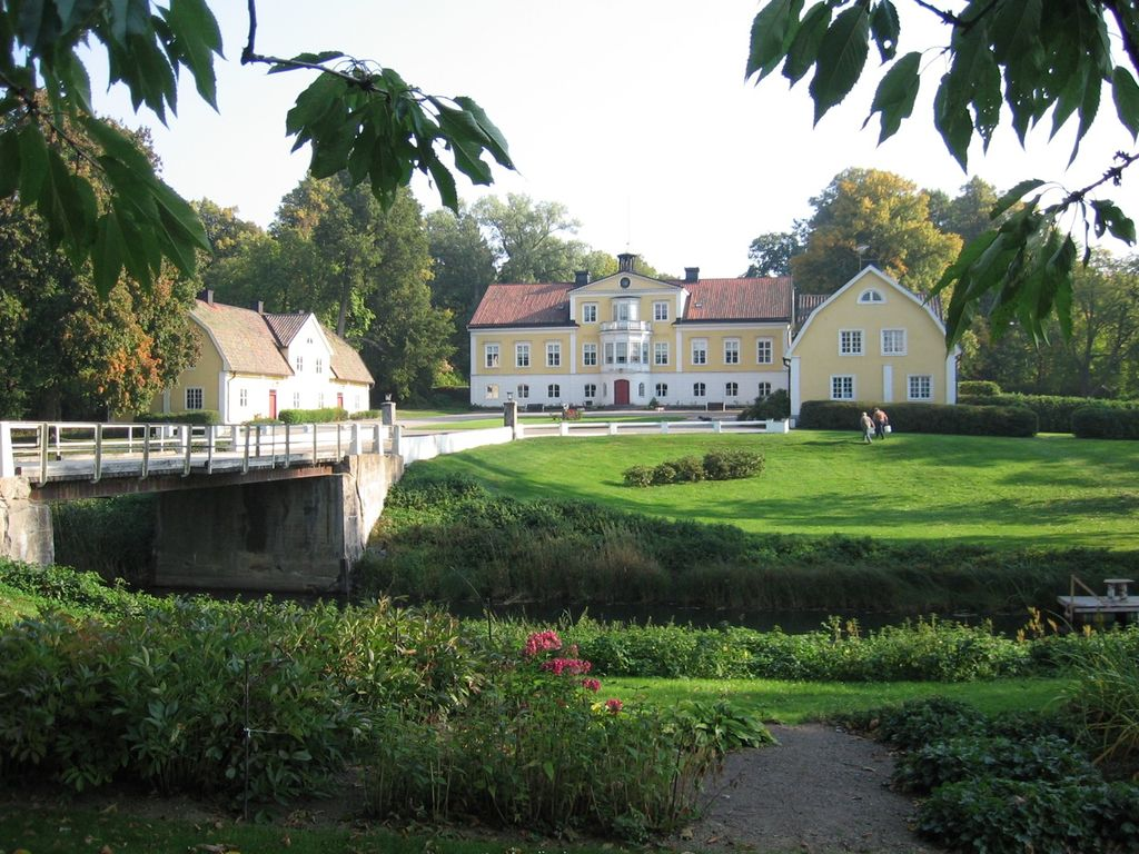 Live in a swedish manor house unique countryside living 6 br vacation chateau country house - Vacation houses in the countryside ...