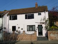 Pretty Period Cottage in small Market town of Bingham, Nottingham area