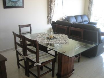 Lounge / Dining Area - Felipe
