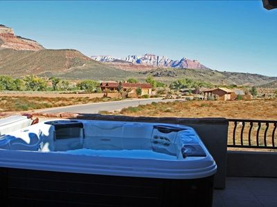 jacuzzi on the balcony with views of Zions. Star gazing is great. No city lights