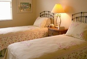 Cedar Hammock Naples villa rental - Twin bedroom