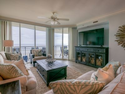 Walk to Main Street! Recently Updated Luxurious 3 Bed/3 Bath Ocean Front Condo