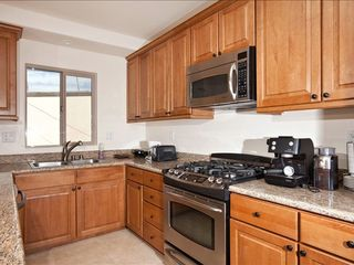 La Jolla condo photo - Kitchen with stainless steel appliances