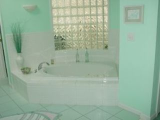 Moultonborough house photo - Master Bathroom Tub