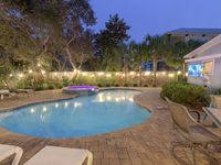 Destin Beach House with Amazing Private Heated Pool & Spa. Walk To The Beach!!!