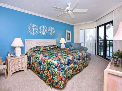 Sanibel Island condo rental - Wake up to the sound of waves!