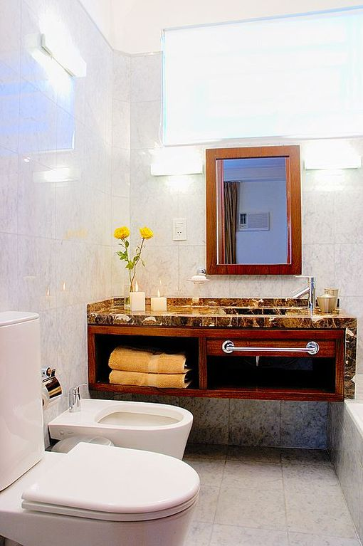 Gorgeous bathroom that has been fully renovated. Electronic scale, hairdryer