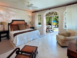 Sandy Lane villa photo - Downstairs bedroom suite opens up on to the pool deck for easy access
