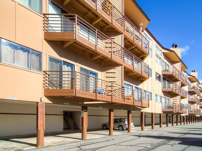 Great views, cozy and quite condo with covered parking and a full clubhouse just down the stairs