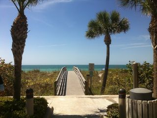 Indian Rocks Beach condo photo - Walkway to beach