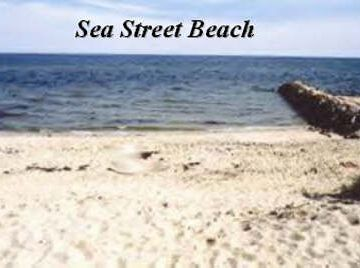 Sea Street beach is a short 4 minute walk from the Salty Shack.