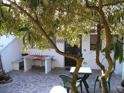 traditional residence located in the countryside, 5 kms from the famous beach of Rena Majore